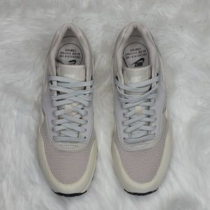 NEW Nike air max White bone mesh